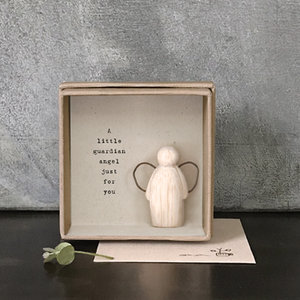 houten engeltje in boxje